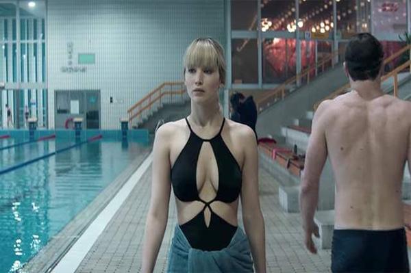 美女諜報片《紅雀》小珍妮佛的身體充滿危險魅力
